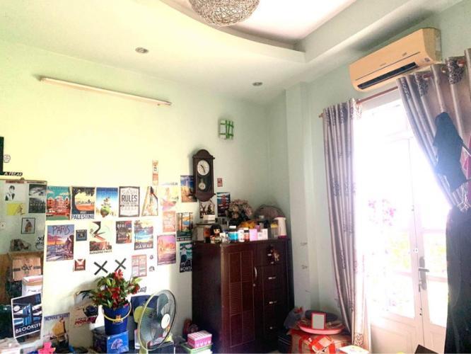 Nhà phố đường Dương Quảng Hàm, Gò Vấp Nhà phố hướng Tây Nam hẻm xe hơi diện tích 64m2, có sổ hồng riêng.