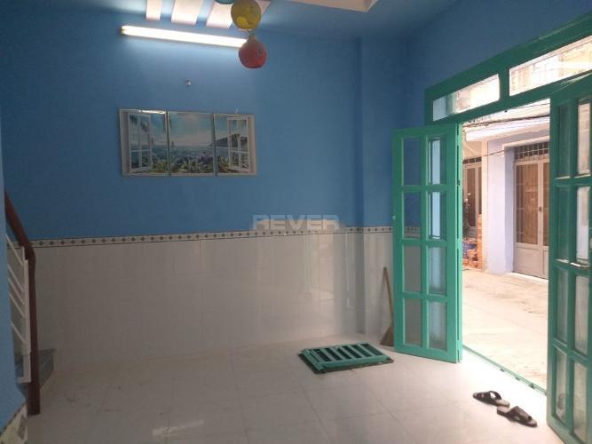 Phòng khách nhà phố Bình Tân Nhà phố mặt tiền Bình Tân diện tích sử dụng 80m2, hướng Đông.