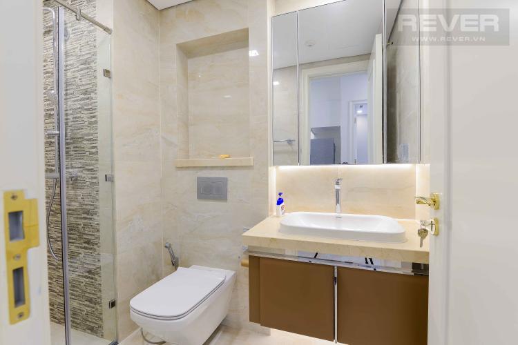 Toilet Bán căn hộ Vinhomes Golden River 1PN, đầy đủ nội thất, view trực diện sông Sài Gòn
