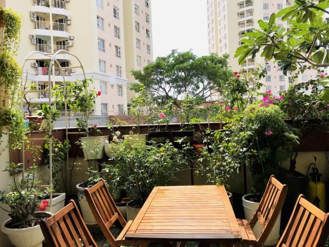 Sân vườn trên ban công căn hộ An Cư, quận2 Căn hộ 2 phòng ngủ chung cư An Cư hướng cửa Tây Bắc.
