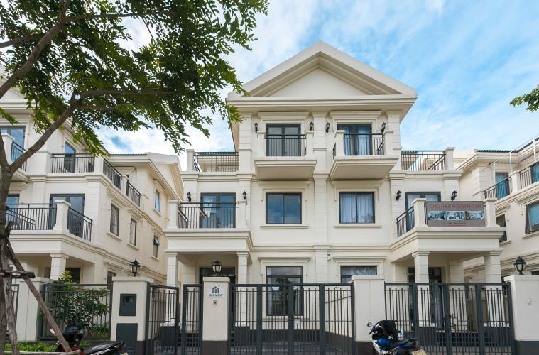 Mặt Tiền Biệt thự Lakeview City đường Nguyễn Duy Trinh Quận 2, diện tích 8x20m, thiết kế hiện đại.