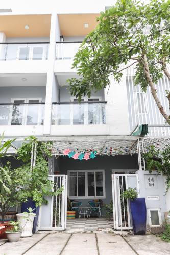 Tổng Quan Bên Ngoài Nhà Bán hoặc cho thuê nhà phố 2 tầng, khu biệt thự compound Mega Village Quận 9, diện tích đất 75m2, đầy đủ nội thất