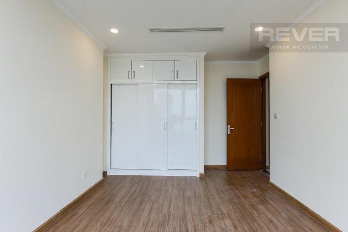 96d373068c056a5b3314 Bán căn hộ Vinhomes Central Park 3PN, tầng cao, nội thất cơ bản, view thành phố và sông Sài Gòn