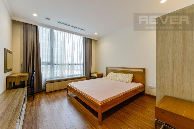 Phòng ngủ 1 Căn hộ Vinhomes Central Park tầng trung, 3 phòng ngủ, hướng Đông Bắc, view sông