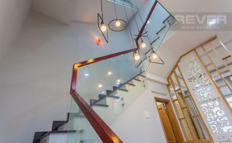 Góc cầu thang Nhà phố khu villa Mega Village Quận 9 đầy đủ nội thất, tiện nghi