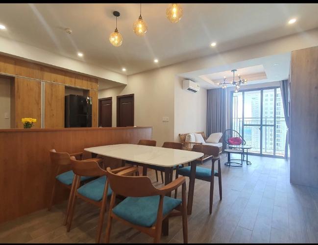 Căn hộ Saigon South Residence tầng trung, đầy đủ nội thất.