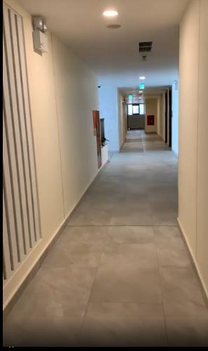 Căn hộ Kingdom 101, Quận 10 Căn hộ Kingdom 101 tầng cao, nội thất cơ bản.