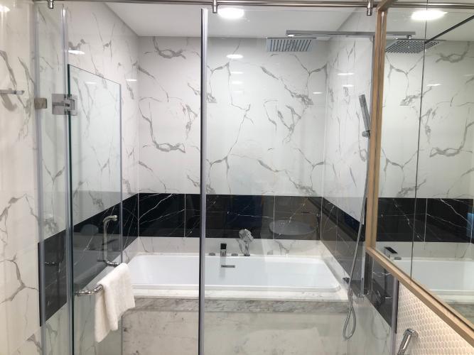 nhà tắm  Căn hộ Sunwah Pearl tầng 27 ban công Đông Bắc, nội thất đầy đủ