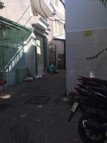 Hẻm nhà phố đường Tôn Đản, Quận 4 Nhà phố Quận 4 hướng Bắc gồm 1 trệt 1 lầu, hẻm xe máy rộng 2.5m.