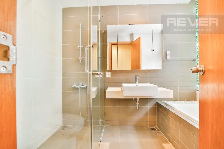 Toilet 1 Căn hộ Sunrise City 2 phòng ngủ tầng cao V2 hướng Đông