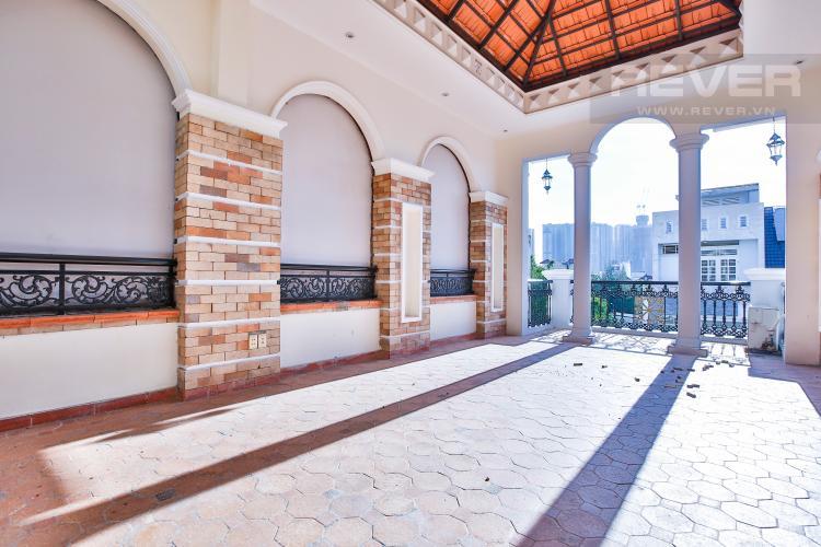 Sân thượng Nhà phố đường số 9 thiết kế đẹp, nội thất sang trọng