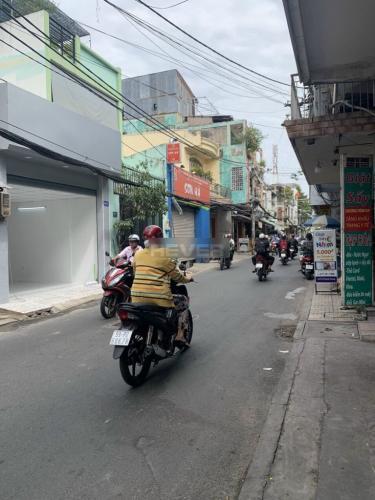 Hẻm nhà phố Tân Bình Nhà phố mặt tiền đường Võ Thành Trang, thuận tiện kinh doanh.