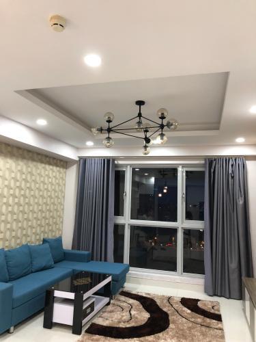 Căn hộ Cosmo City tầng trung thoáng mát, nội thất đầy đủ tiện nghi.