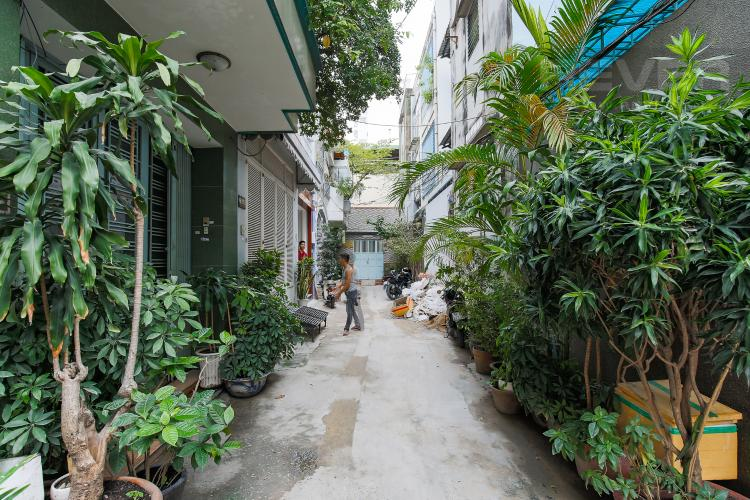 Hẻm trước nhà Nhà phố 5 phòng ngủ hẻm 4m đường Thạch Thị Thanh Quận 1
