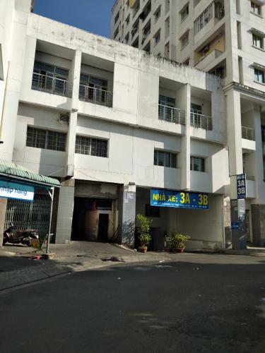 Chung cư Phú Thọ, Quận 11 Căn hộ chung cư Phú Thọ tầng trung, nội thất cơ bản tiện nghi.