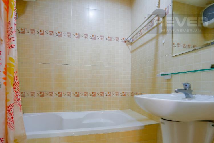 Phòng Tắm 1 Căn hộ Sky Garden 2 phòng ngủ tầng thấp nội thất đầy đủ