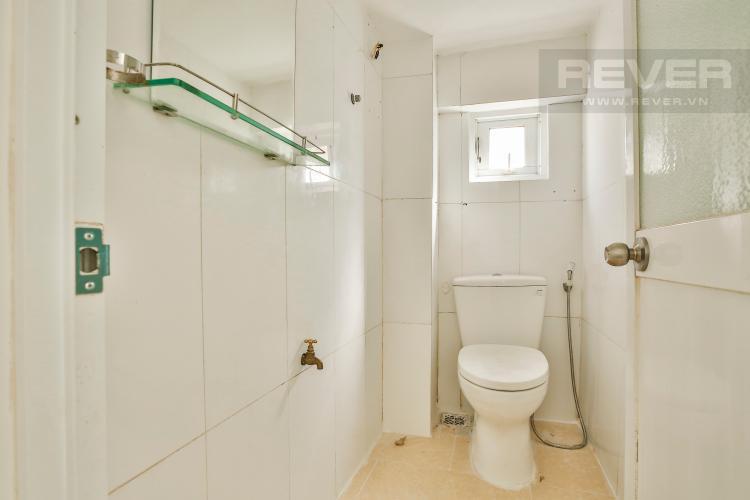 Toilet Nhà phố mặt tiền đường Hồng Bàng Quận 5 tiện kinh doanh