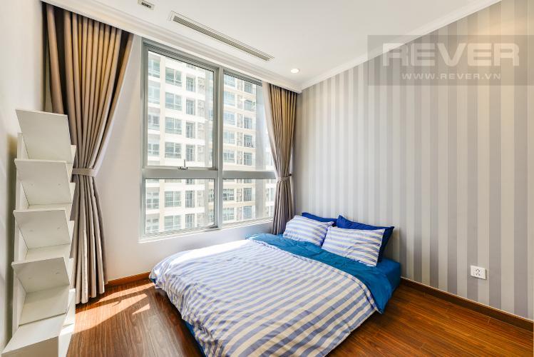 Phòng ngủ 1 Căn hộ Vinhomes Central Park 2 phòng ngủ tầng cao L4 hướng Đông Bắc