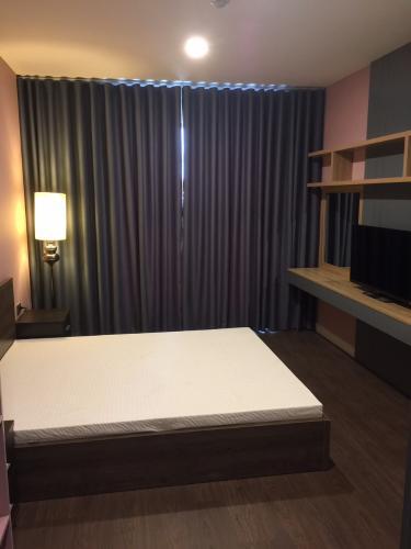 Phòng ngủ Saigon Royal, Quận 4 Căn hộ Saigon Royal view thoáng mát, ban công hướng Tây Bắc.