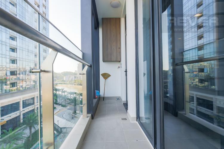 Balcony Căn hộ Vinhomes Golden River tầng tháp, 2PN đầy đủ nội thất