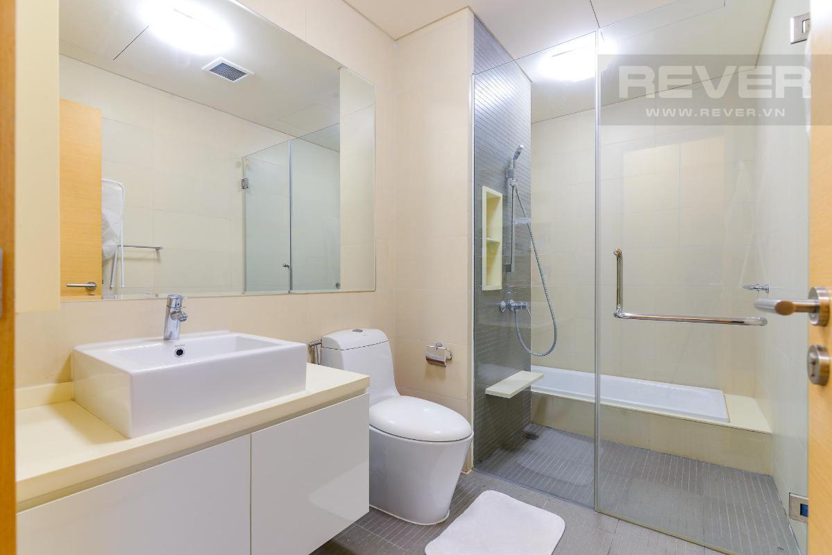 Phòng tắm chính Cho thuê căn hộ The Vista An Phú 2PN, diện tích 101m2, đầy đủ nội thất, view hồ bơi yên tĩnh