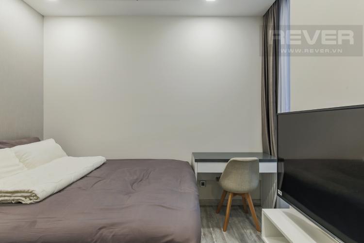 Phòng Ngủ 2 Cho thuê căn hộ Vinhomes Golden River 2PN, tầng cao, đầy đủ nội thất, view sông Sài Gòn