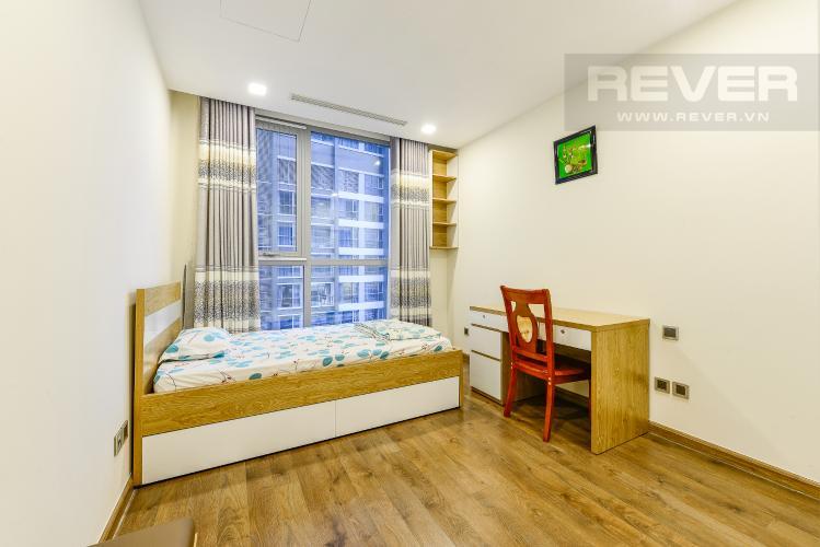 Phòng ngủ 2 Cho thuê căn hộ Vinhomes Central Park tầng cao, 2PN đầy đủ nội thất view sông