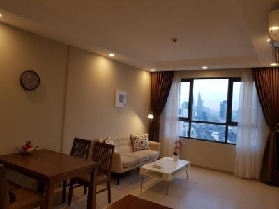 Cho thuê căn hộ The Gold View 1 phòng ngủ, tầng cao, đầy đủ nội thất, hướng Đông Bắc, view kênh Bến Nghé và Bitexco