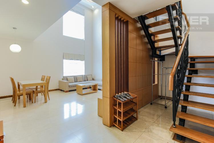 Cầu Thang Duplex 1 phòng ngủ Saigon Pavillon nội thất đầy đủ
