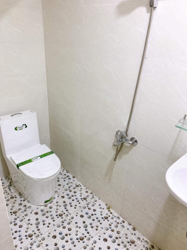 Toilet nhà phố Hồ Thị Kỷ, Quận 10 Nhà phố hẻm trung tâm quận 10, gần chợ hoa Hồ Thị Kỷ.