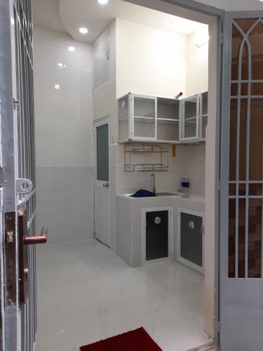 Bán nhà phố đường Huỳnh Văn Bánh, phường 11, quận Phú Nhuận, diện tích đất 11.2m2, không có nội thất.