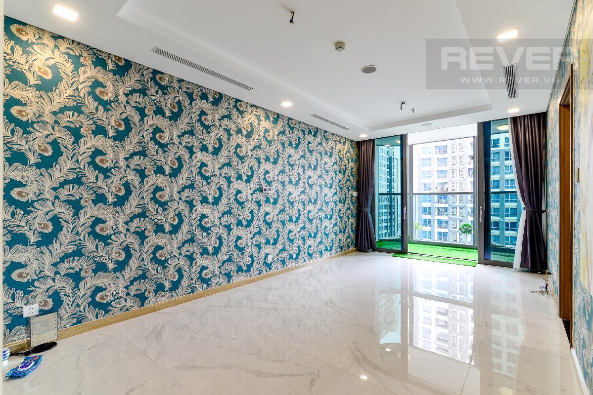 _DSC3993 Cho thuê căn hộ Vinhomes Central Park 2PN, tháp Landmark 81, nội thất cơ bản, là căn góc, view Xa lộ Hà Nội