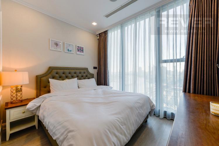 Phòng ngủ 1 Căn hộ Vinhomes Golden River tầng cao, 2PN đầy đủ nội thất, view sông