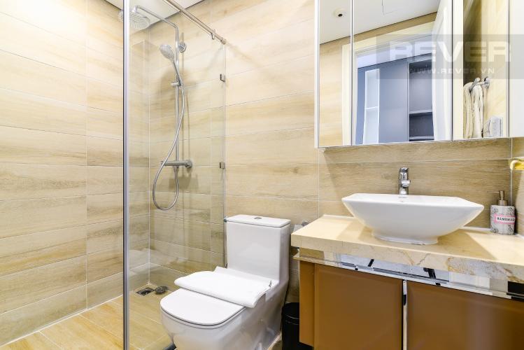 Phòng Tắm 1 Căn hộ Vinhomes Golden River tầng cao, tháp A1, gồm 3 phòng ngủ, 2 phòng tắm, full nội thất