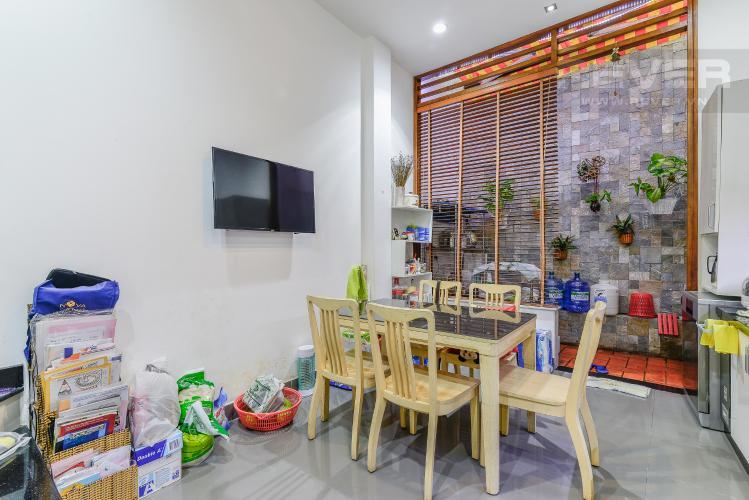 Phòng Ăn Nhà phố 1 trệt, 3 lầu, 4 phòng ngủ có sân thượng hẻm đường Nguyễn Thiện Thuật