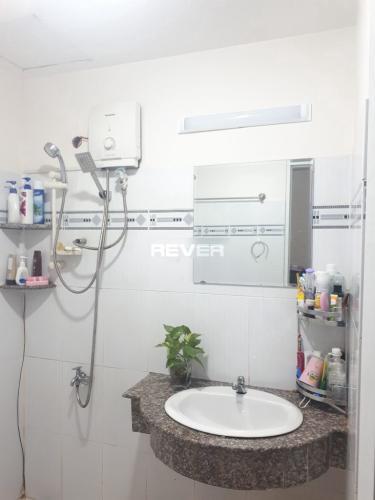 Phòng tắm chung cư Lê Thành, Bình Tân Căn hộ chung cư Lê Thành tầng trung, hướng Đông Nam.