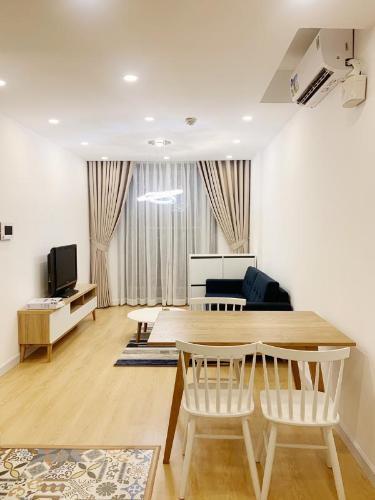 Căn hộ Kingston Residence tầng trung, nội thất đầy đủ.