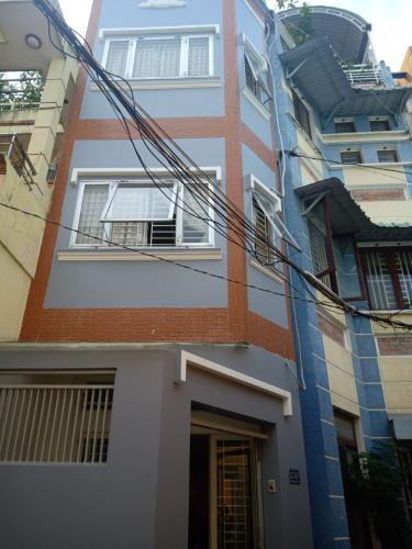 Nhà phố Phú Nhuận hướng Đông Bắc, hẻm xe hơi, sổ hồng riêng.