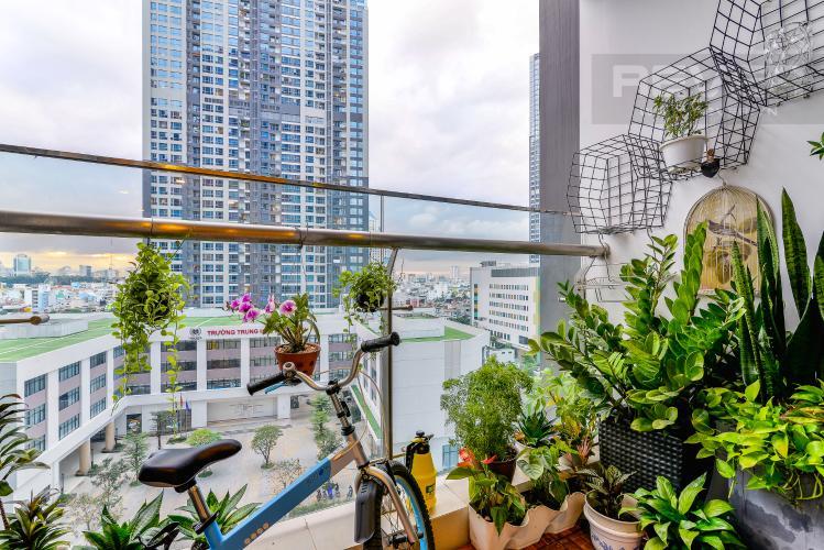 View Balcony Căn hộ Vinhomes Central Park tháp Park 6, 2PN, đầy đủ nội thất