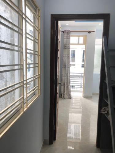 Bán nhà 2 tầng hẻm Tôn Đản, Quận 4, diện tích đất 25m2, không có nội thất, sổ hồng chính chủ
