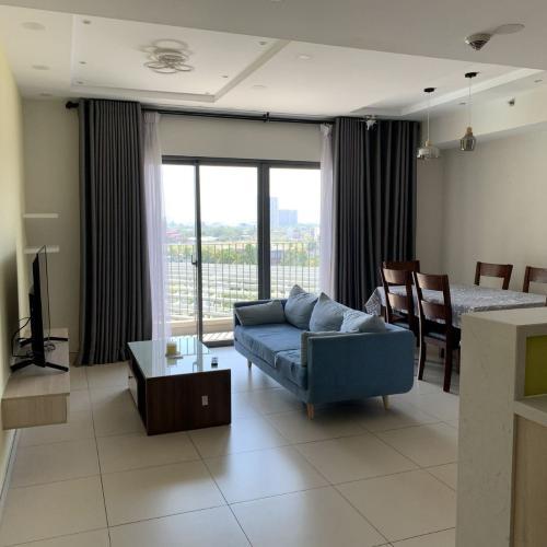 Căn hộ Masteri Thảo Điền view hồ bơi mát mẻ, nội thất sang trọng.