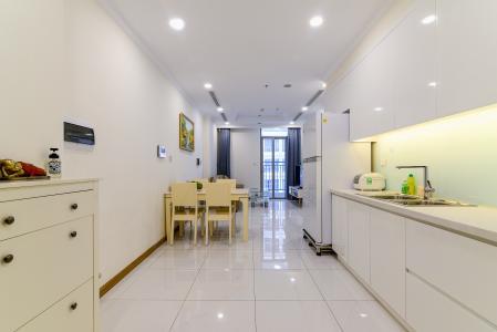 Cho thuê căn hộ Vinhomes Central Park 50.5m2 1PN 1WC, nội thất tiện nghi, view hồ bơi