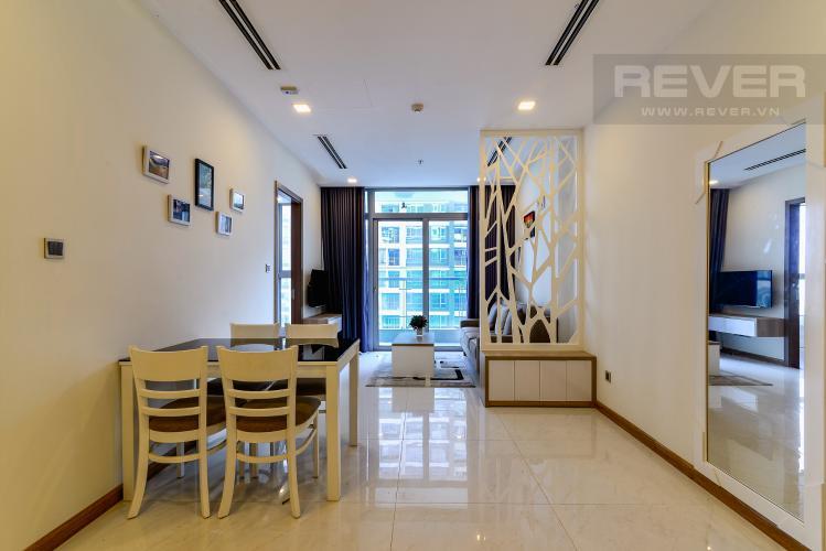 Phòng Khách Bán và cho thuê căn hộ Vinhomes Central Park 2 phòng ngủ tầng cao tháp Park 1, view sông mát mẻ