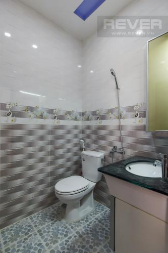 Phòng Tắm Bán nhà phố đường Đoàn Văn Bơ Quận 4, 2PN, sổ hồng chính chủ