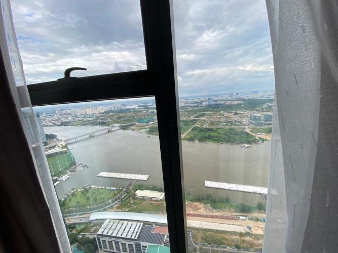 view Căn hộ Vinhomes Golden River tầng cao, nội thất đầy đủ.