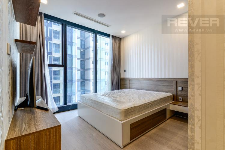 Phòng Ngủ 1 Căn hộ Vinhomes Golden River tầng cao, 2PN, bàn giao đầy đủ nội thất