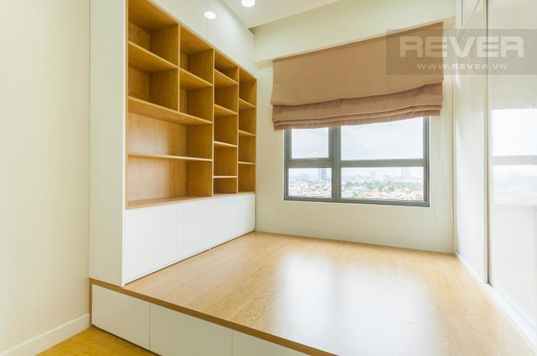 Phòng ngủ nhỏ view hướng Đông Bắc Căn hộ Masteri Thảo Điền 2 phòng ngủ tầng trung T3 nội thất đầy đủ