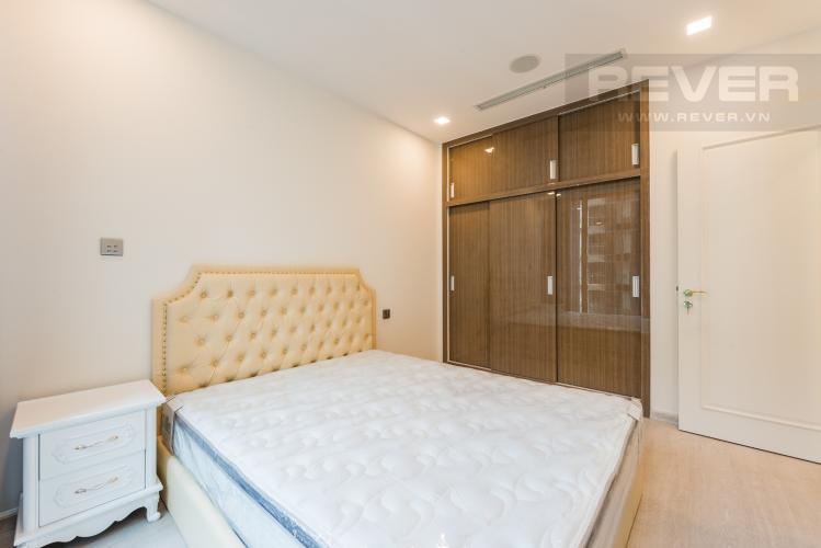 Phòng ngủ Căn officetel Vinhomes Golden River 1PN đầy đủ nội thất, view sông Sài Gòn