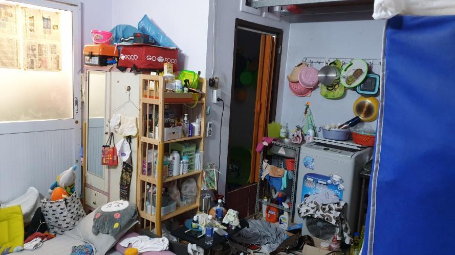 Khu vực bếp nhà phố đường Đoàn Văn Bơ, Quận 4 Nhà phố 1 trệt 1 lầu hẻm đường Đoàn Văn Bơ, sổ hồng pháp lý rõ ràng.