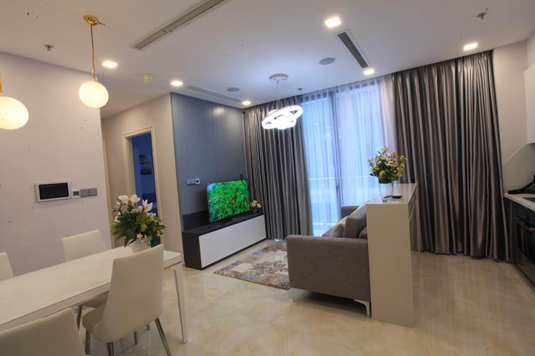 Bán căn hộ Vinhomes Golden River 2 phòng ngủ, tầng thấp, đầy đủ nội thất, view sông rộng thoáng.
